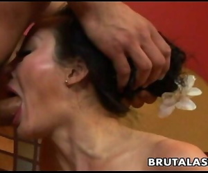 Asian milf getting her sack..